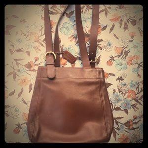 Vintage COACH Brown Tan Leather Purse No.G6C-4157